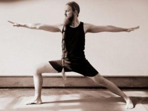 athahatha yoga muenster timo wasserfuhr virabhadrasana 2